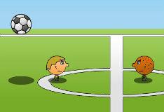 Футбол на двоих головами