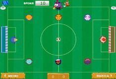 Игра Смешарики играют в футбол