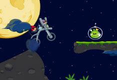 Игра Злые птички: космический байк