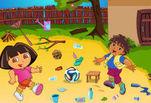 Даша и Диего играют в футбол