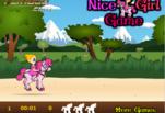 играйте в Девочка катается на лошади