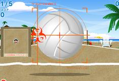 Лило и Стич играют в волейбол
