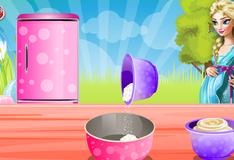 Беременная Эльза готовит пасхальный пирог