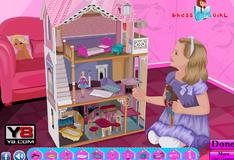 Игра Украшение домика для Барби