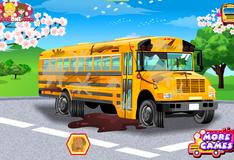 Игра Помыть школьный автобус