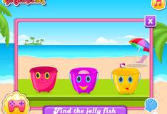 Малышка Барби на пляже