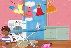 Игра Игра Беременная Доктор Плюшева гладит одежду